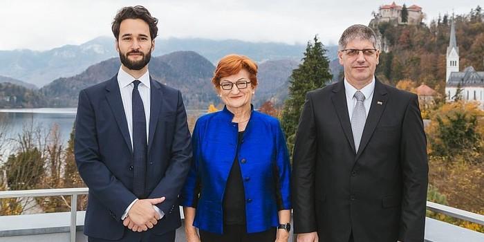 http://hrvatskifokus-2021.ga/wp-content/uploads/2018/11/Dr._Daniel_Susskind_dr._Danica_Purg_in_minister_za_notranje_zadeve_Bostjan_Po_b.jpg